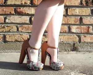 Floral yoke dress shoes